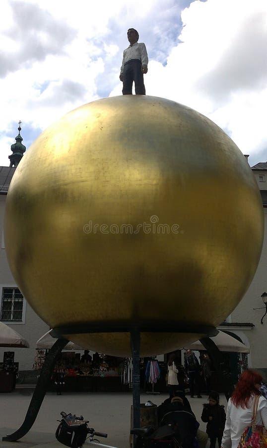 Złota kula ziemska w Salzburg obraz royalty free