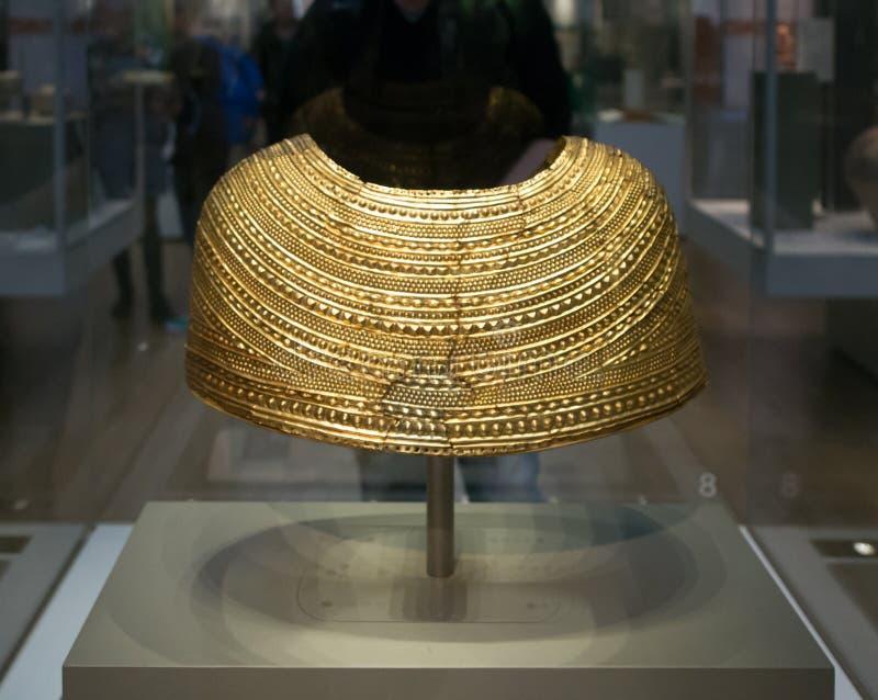 Złota osłona w Brytyjskim muzeum w Londyn obraz royalty free