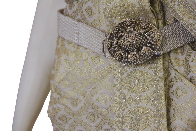 ZÅ'ota suknia Å›lubna w stylu tajskim zdjęcie stock
