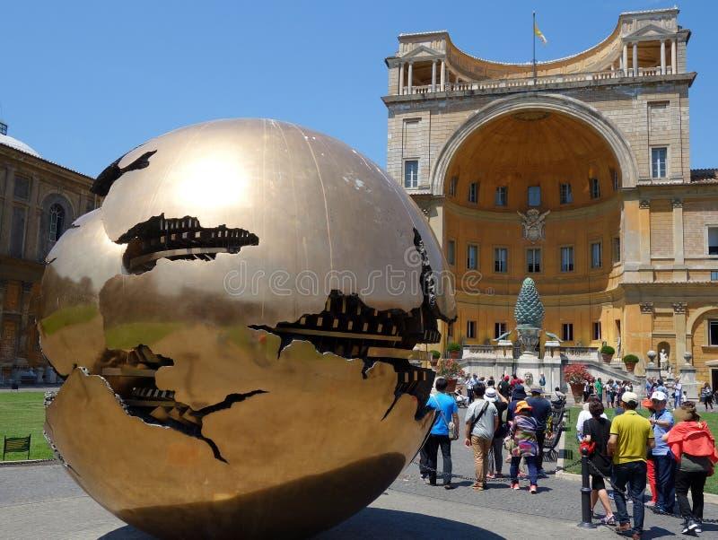 Złoto Łamająca sfera, Watykański muzeum, Włochy obrazy royalty free