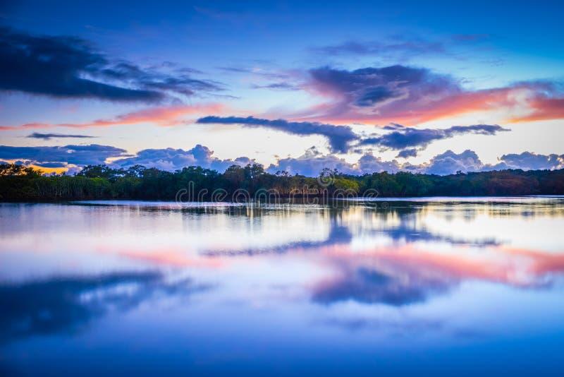 Złoto Brzegowy wschód słońca zdjęcia stock