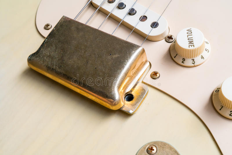 Złoto mosta pokrywa rocznik gitara fotografia royalty free