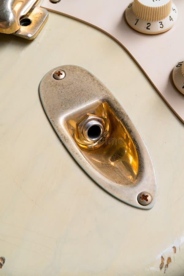 Złoto wydajność rocznik gitara zdjęcie stock