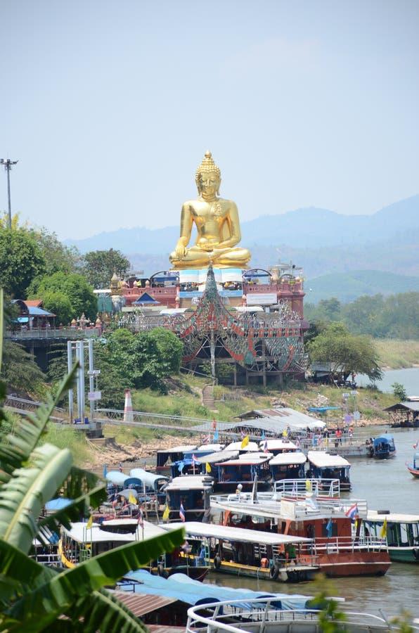 Złoty Buddha przy Złotym trójbokiem, Chiang Raja, Tajlandia obraz stock