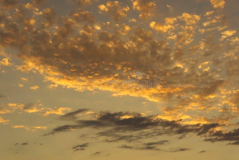 złoty chmury obrazy stock