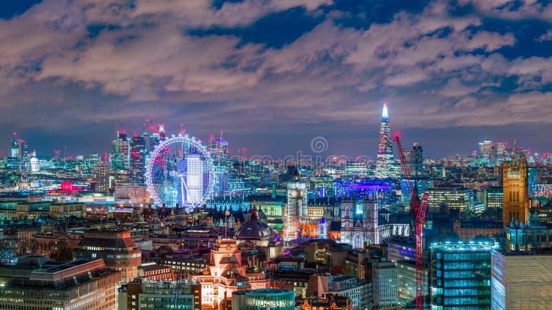 Złoty Londyński linia horyzontu obraz stock