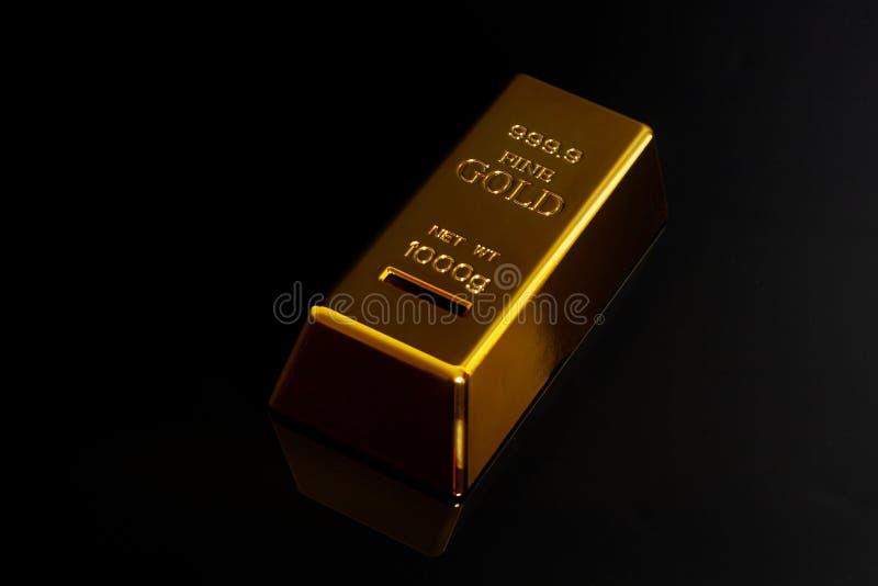 Złoty pasek na czarnym tle zdjęcia stock