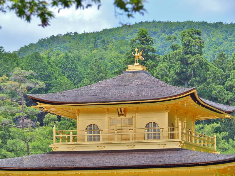 Złoty pawilon przy Kinkaku-ji świątynią, Kyoto, Japonia obrazy stock