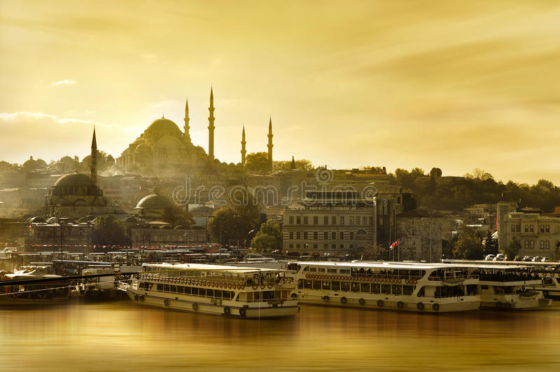 złoty rogu meczetu suleymaniye obrazy stock