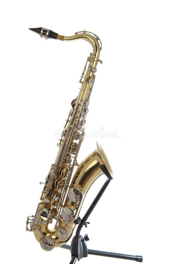 Złoty tenorowy saksofon z srebnymi klapami obraz royalty free