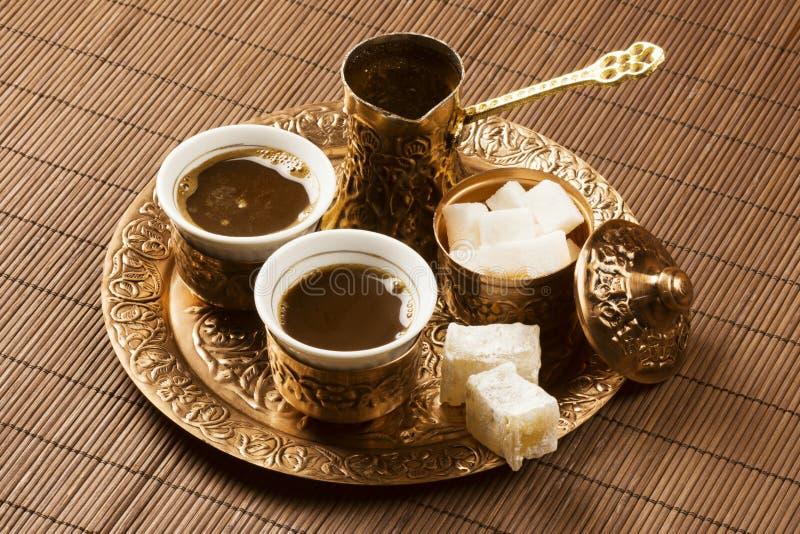 Złoty Tureckiej kawy set obraz stock