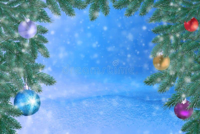 Z śniegiem zima krajobraz Bożenarodzeniowy tło z jodły gałęziastą i Bożenarodzeniową piłką Wesoło boże narodzenia ca i szczęśliwy obrazy stock
