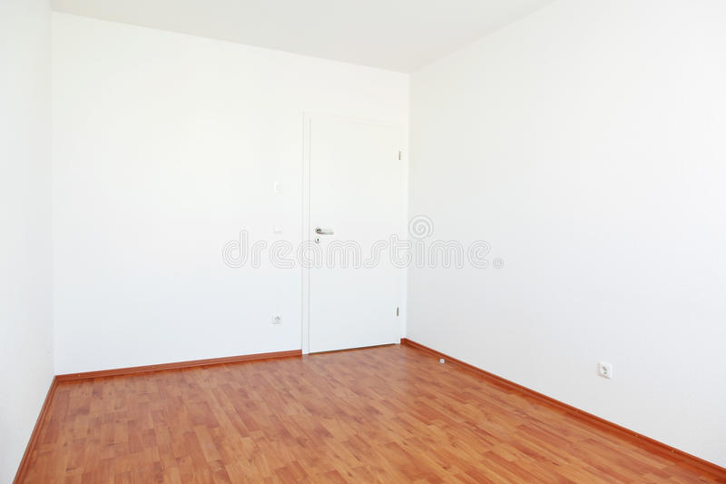 Z biały drzwi pusty pokój zdjęcie royalty free