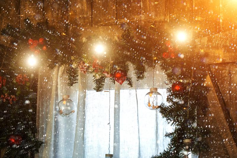 Z Bożenarodzeniową dekoracją dekoracja okno obraz royalty free