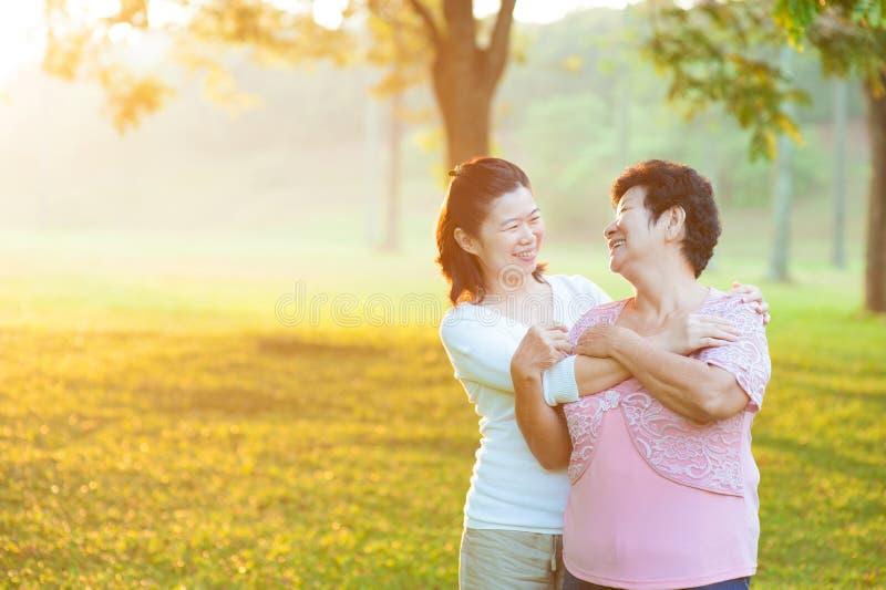 Z córką azjata matka obrazy stock