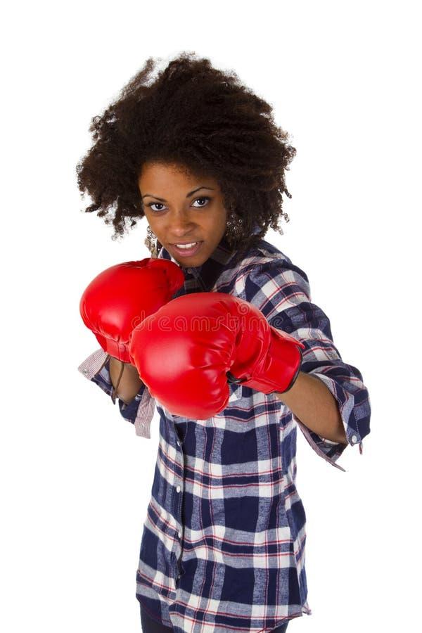 Z czerwonymi bokserskimi rękawiczkami żeński amerykanin zdjęcie stock