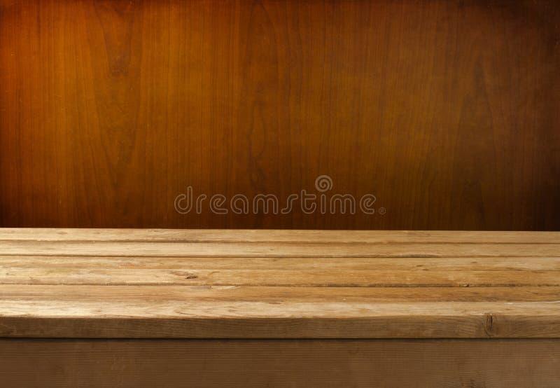 Z drewnianym stołem Grunge tło fotografia royalty free