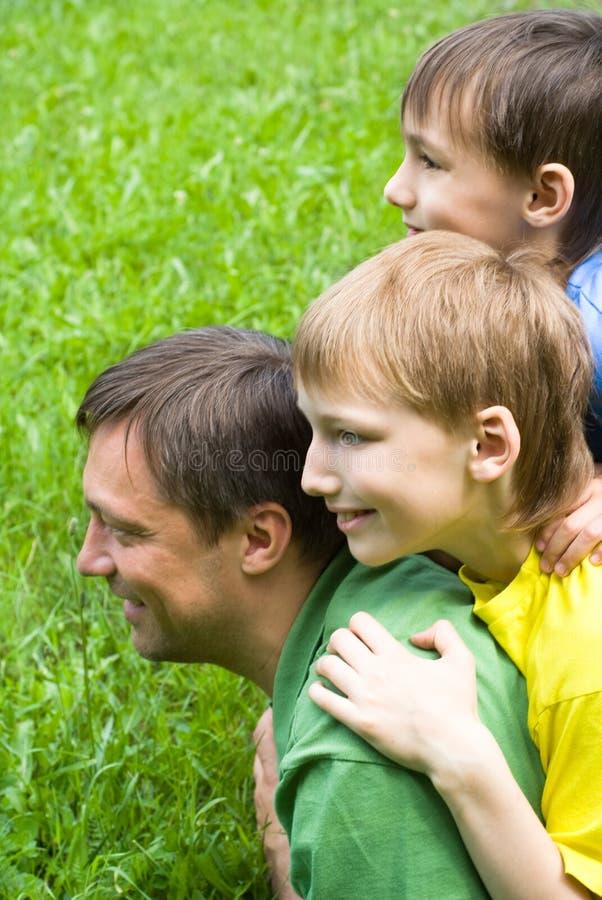 Z dziećmi ojciec sztuka fotografia stock