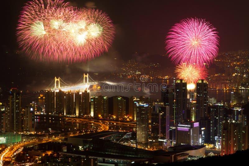 Z fajerwerkami Busan linia horyzontu obraz stock