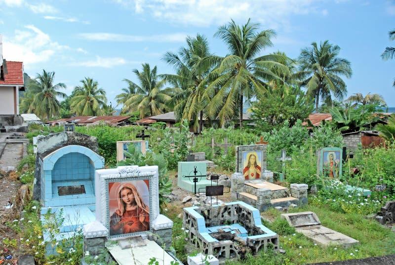 Z gravestones katolicki cmentarz, Indonezja obrazy royalty free
