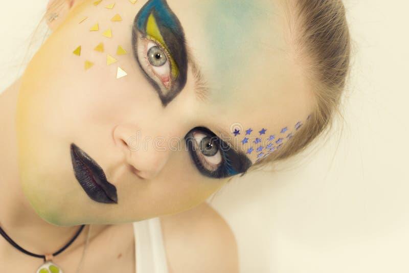 Z jaskrawy makijażem potomstwo model zdjęcia royalty free