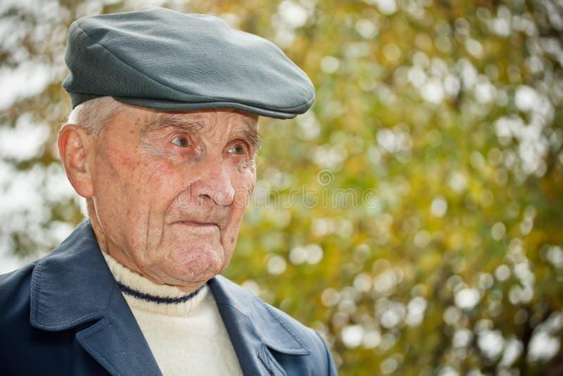Z kapeluszem starszy mężczyzna obraz royalty free