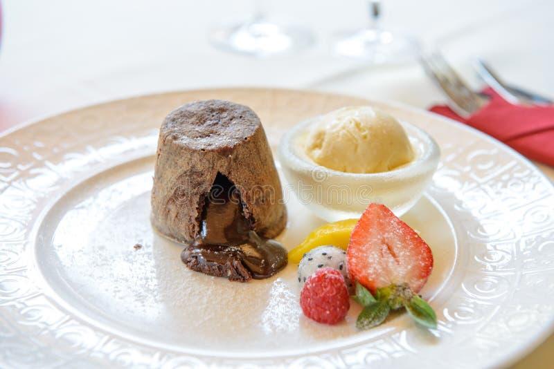 Z lody czekoladowy melt obraz stock
