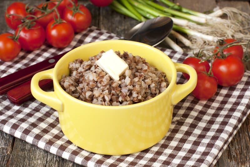 Download Z masłem gryczana owsianka zdjęcie stock. Obraz złożonej z kawałek - 53777272