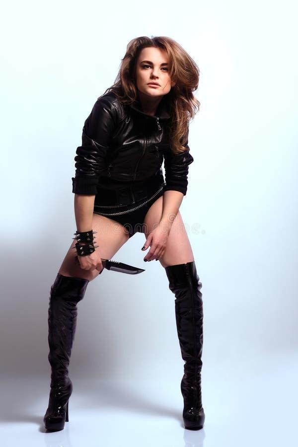 Z Nożem Kobieta Seksowny Piękny Drapieżnik Obraz Royalty Free