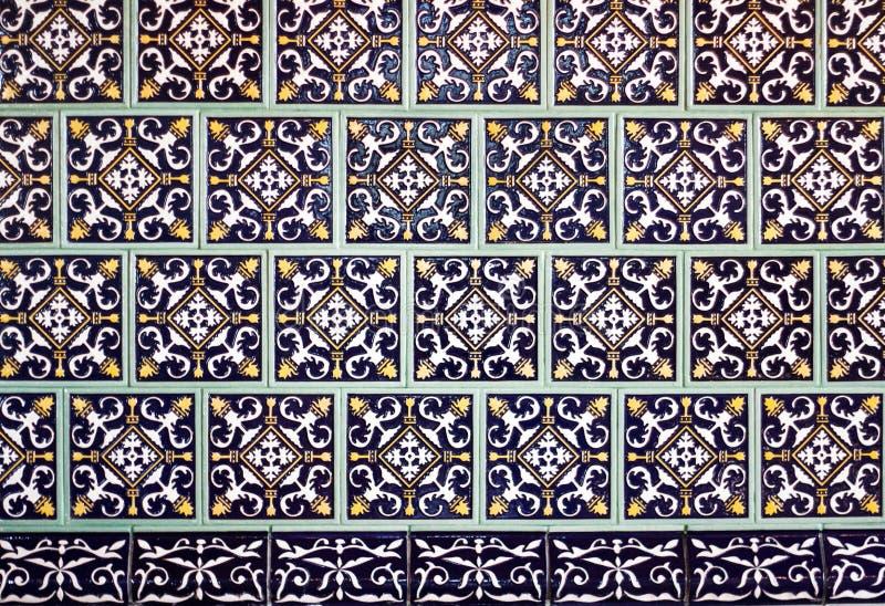 Z orientalnymi ornamentami kafelkowy tło zdjęcie stock