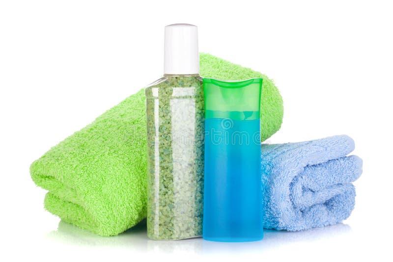 Download Z Ręcznikami Kosmetyczne Butelki Obraz Stock - Obraz: 27018461