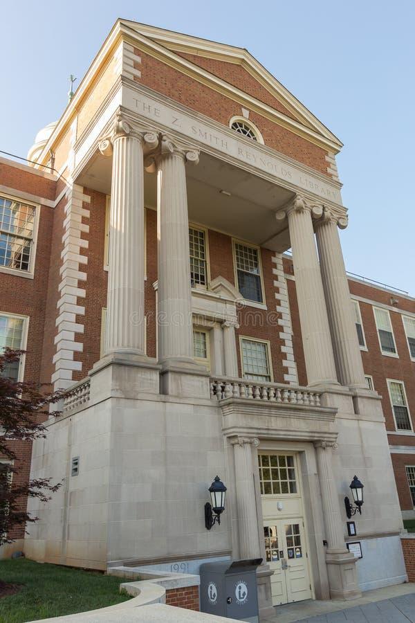 Z Smith Reynolds Library en WFU imagenes de archivo