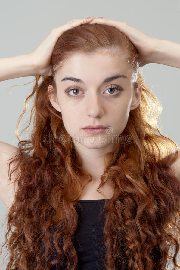 z włosami dziewczyny czerwień zdjęcie royalty free
