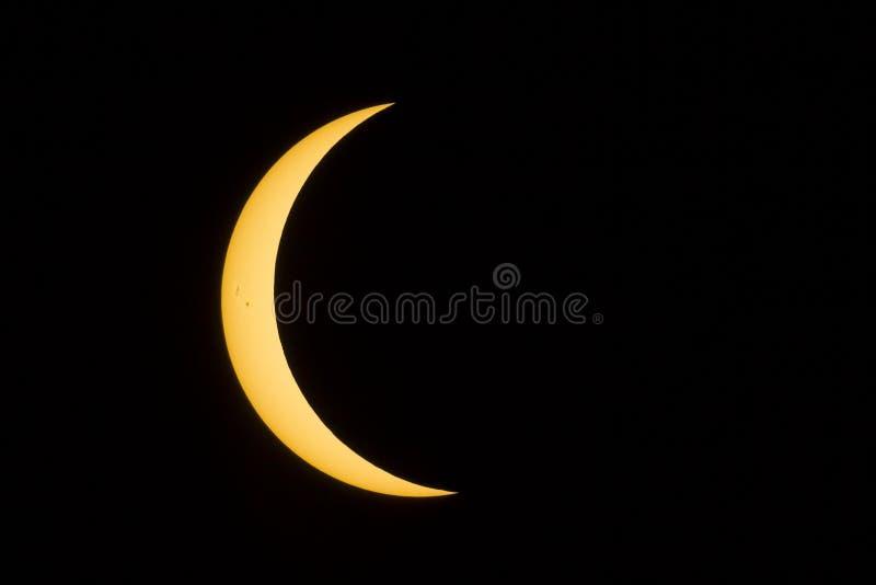 Zaćmienia Półksiężyc słońce z Sunspots obraz stock