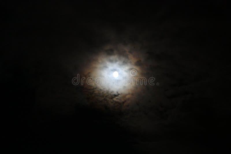 za chmury księżyc zdjęcia royalty free