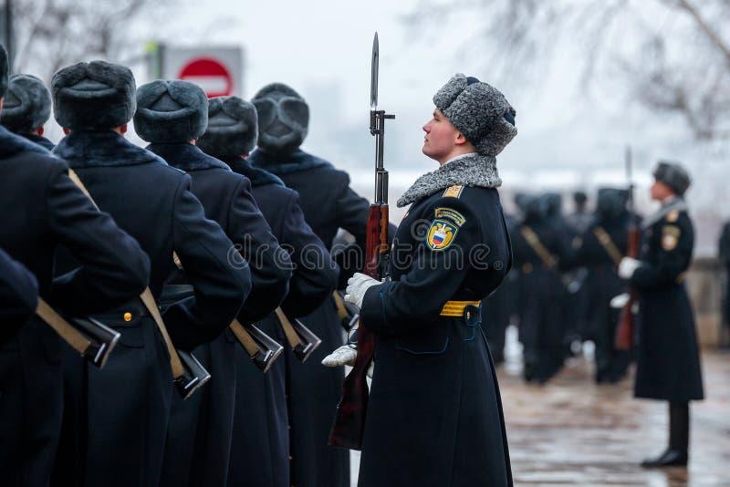 Za paradą Prezydencki pułk usługa Moskwa Kremlin's Commandant obrazy stock