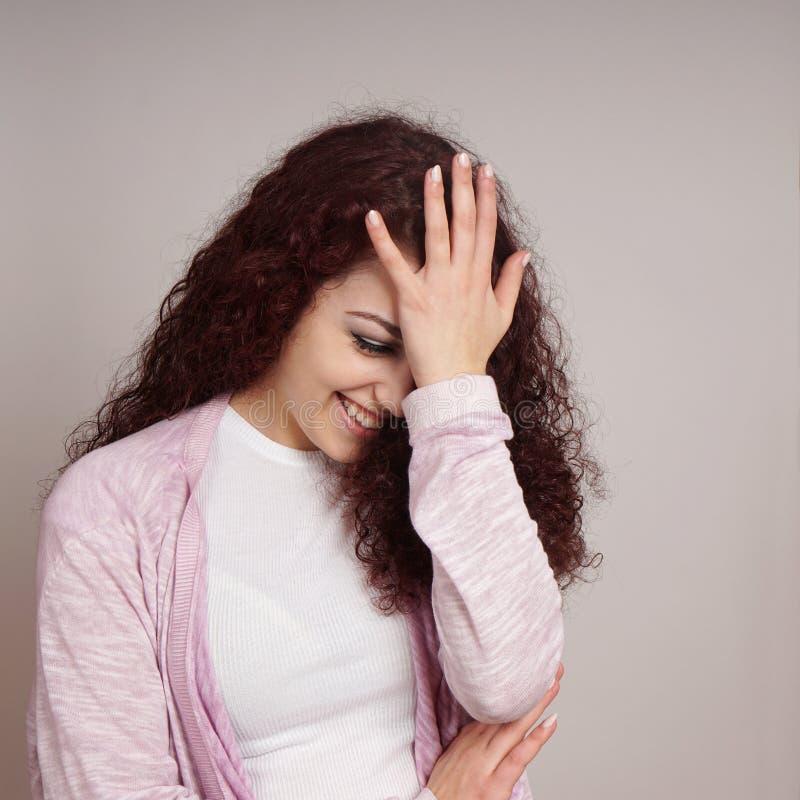 Zaaferowany młodej kobiety facepalm zdjęcia royalty free