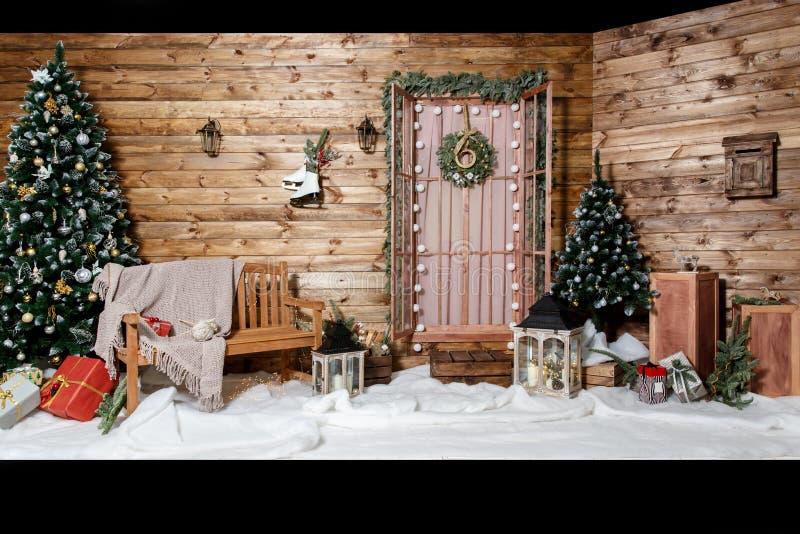 Zaal Kerstboom, de Binnenhuisarchitectuur van het Kerstmishuis, Speelgoed royalty-vrije stock foto