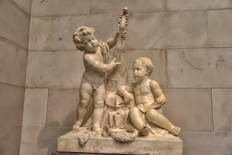 Zaal met kunstwerken, beeldhouwwerk, Nationale kunstgalerie Washington royalty-vrije stock afbeeldingen