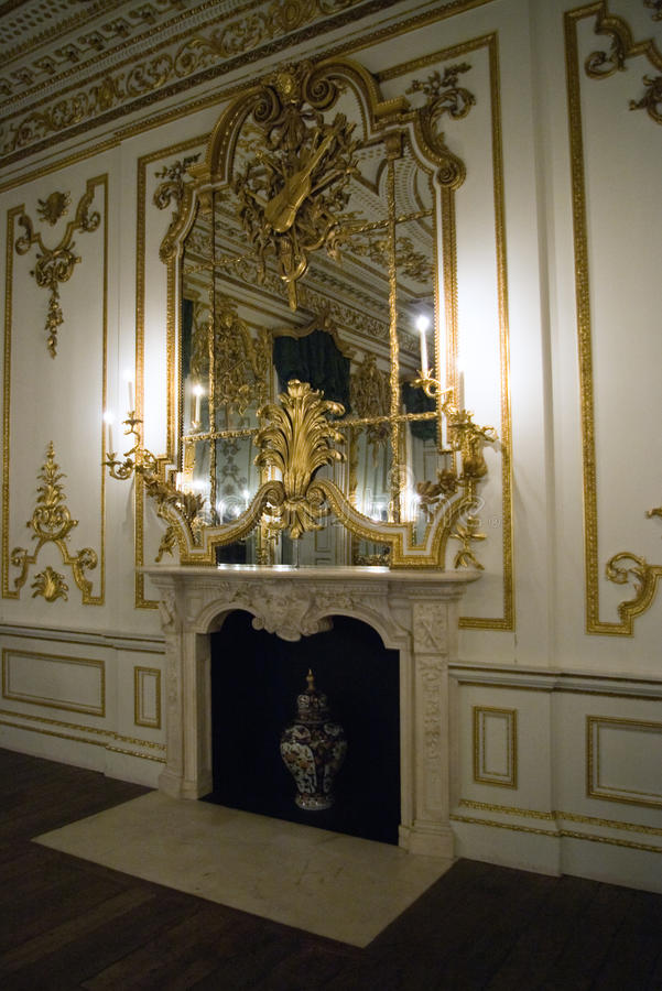 Zaal in paleis stock afbeelding