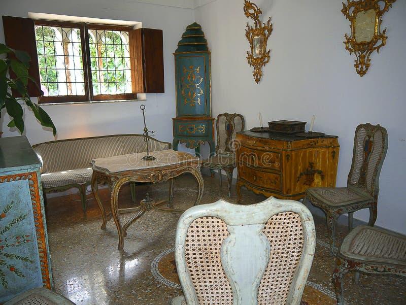 Zaal van een Villa in Anacapri op het Eiland van Capri in de baai van Napels Italië stock foto