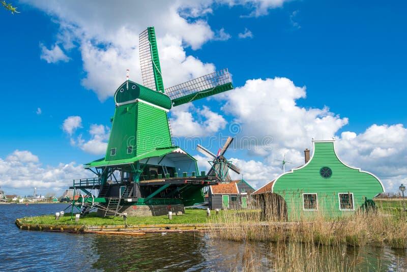 Zaanse Schans, holandie Piękny krajobraz z antyczną wygraną obraz stock