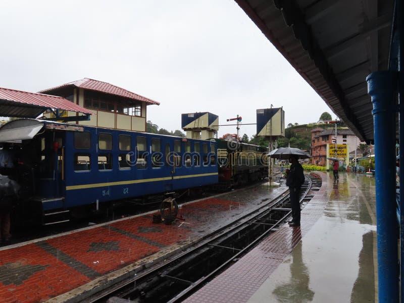 Zabawkarski pociąg przy Coonoor zdjęcia stock