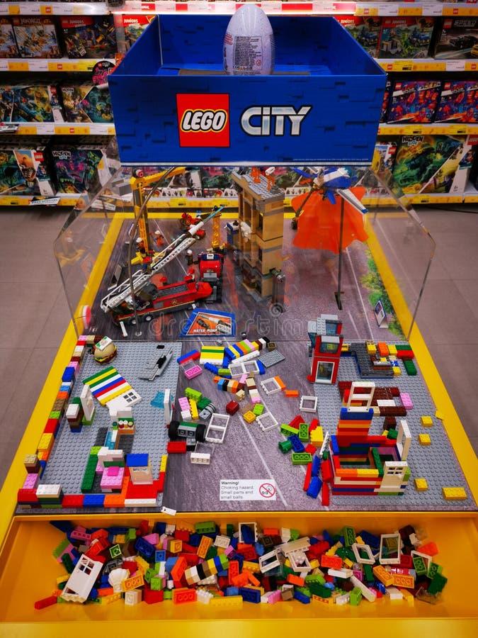 Zabawki Lego dla dzieci - kolorowe małe przedmioty obraz stock