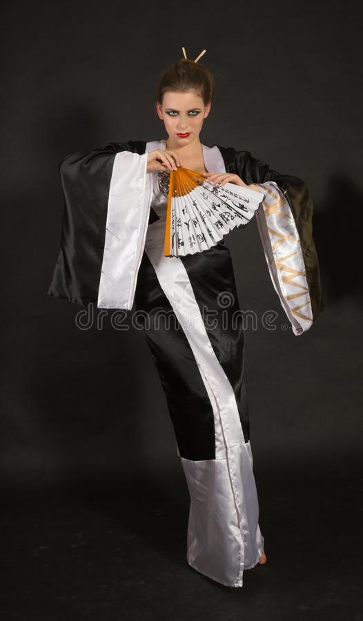 zabawy dziewczyny kimono zdjęcia royalty free