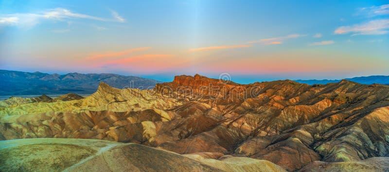 Zabriskie-Punkt bei Sonnenuntergang Nationalpark Death Valley kalifornien USA lizenzfreies stockfoto