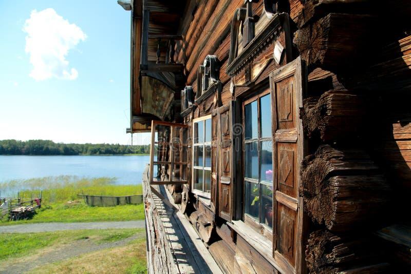 Zabytek drewniana architektura w architektonicznym i etnograficznym muzeum, Kizhi w republice Karelia obraz royalty free