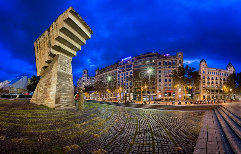 Zabytek Francesc Macia i Placa De Catalunya w ranku zdjęcia royalty free