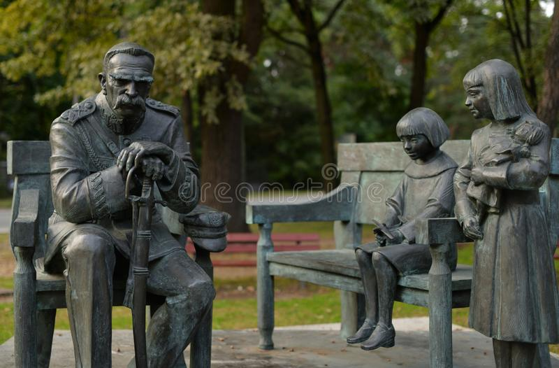 Zabytek Jozef Pilsudski lokalizował w Sulejowek blisko Warszawa A zdjęcie royalty free