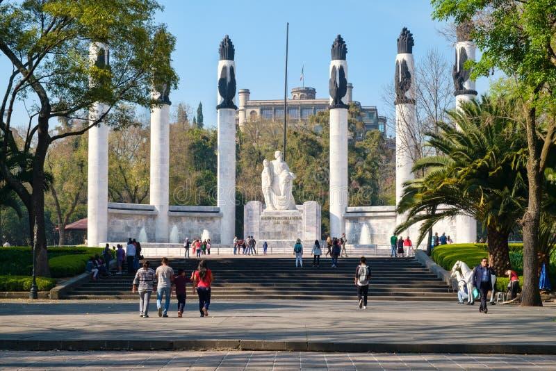 Zabytek młodzi bohaterzy przy Chapultepec parkiem w Meksyk zdjęcia royalty free
